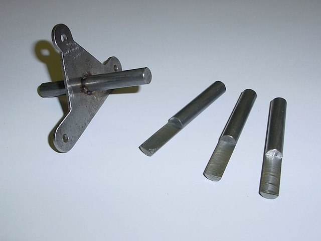 Parts for the left door locking mechanism